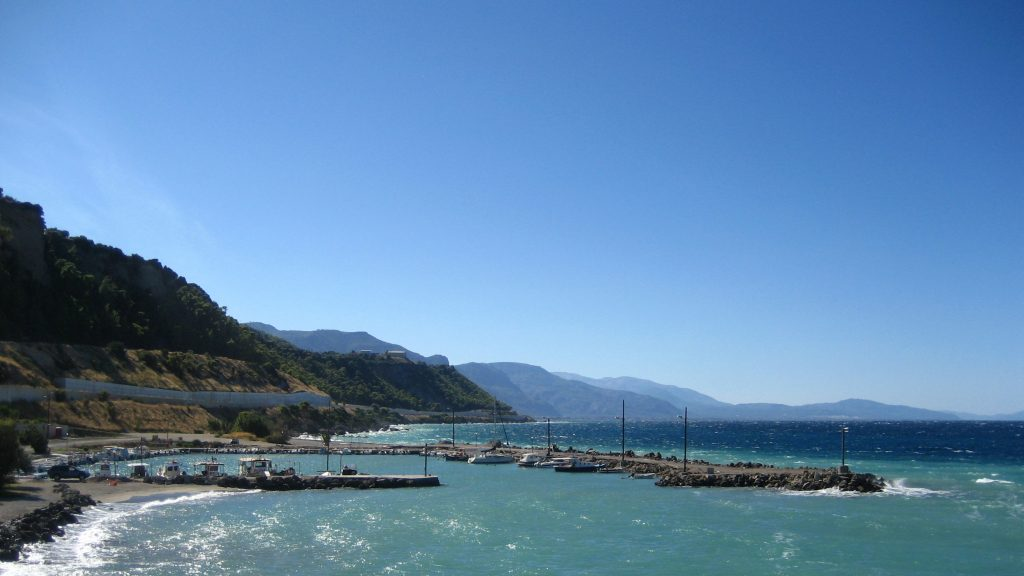 Akrata - The small fishing port of Krioneri - Sep 2012