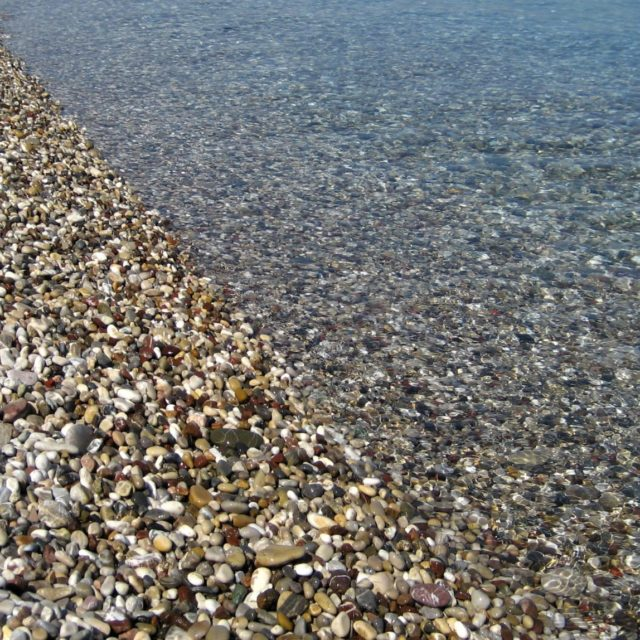 Paralia Akratas (Krathio) - Korinthian Gulf - Pebbles & Crystal Clear Water - October 2012
