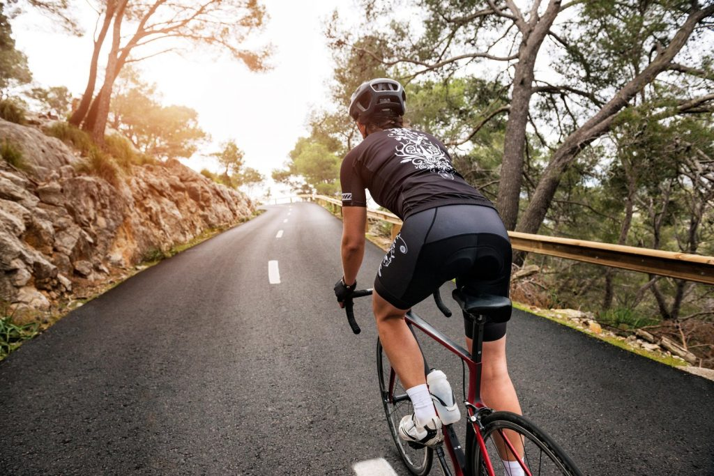 Aigeira - Cycling on country road